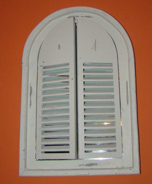 Lustro w okiennicy