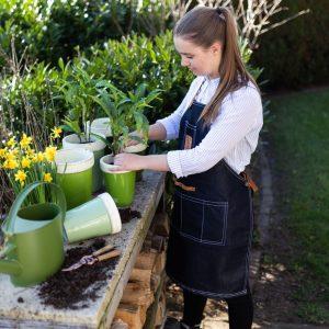 Dżinsowy fartuch ogrodowy dla kobiet z kieszeniami do Krainy Dekoracji