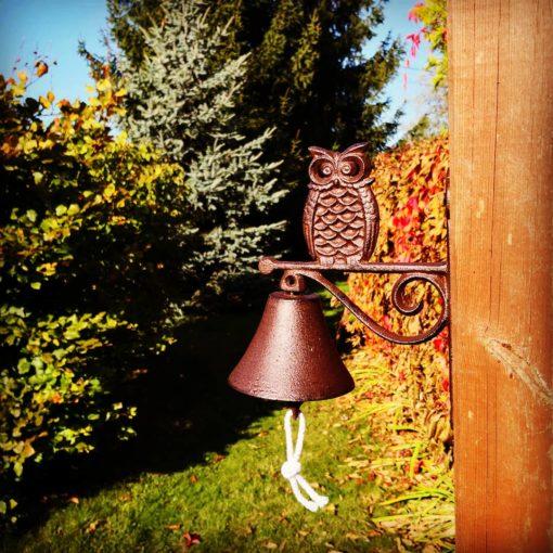 Dzwonek sowa żeliwny