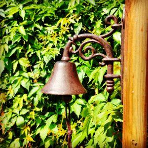 dzwonek żeliwny