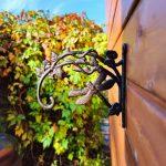 Haczyk ważka idealny na doniczki w ogrodzie