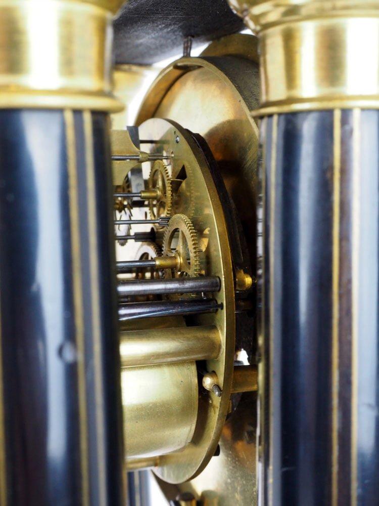 Oryginalne wahadło i mechanizm po renowacji