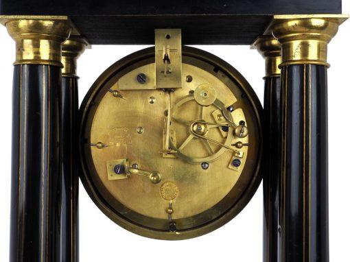 Mechanizm zegara bez dzwonka i wahadła