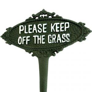 znak ogrodowy z napisem